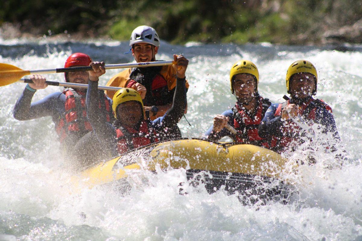 Cómo hacer rafting de forma segura